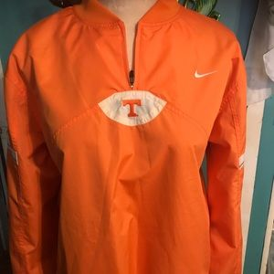Nike Tennessee Windbreaker with hand pockets